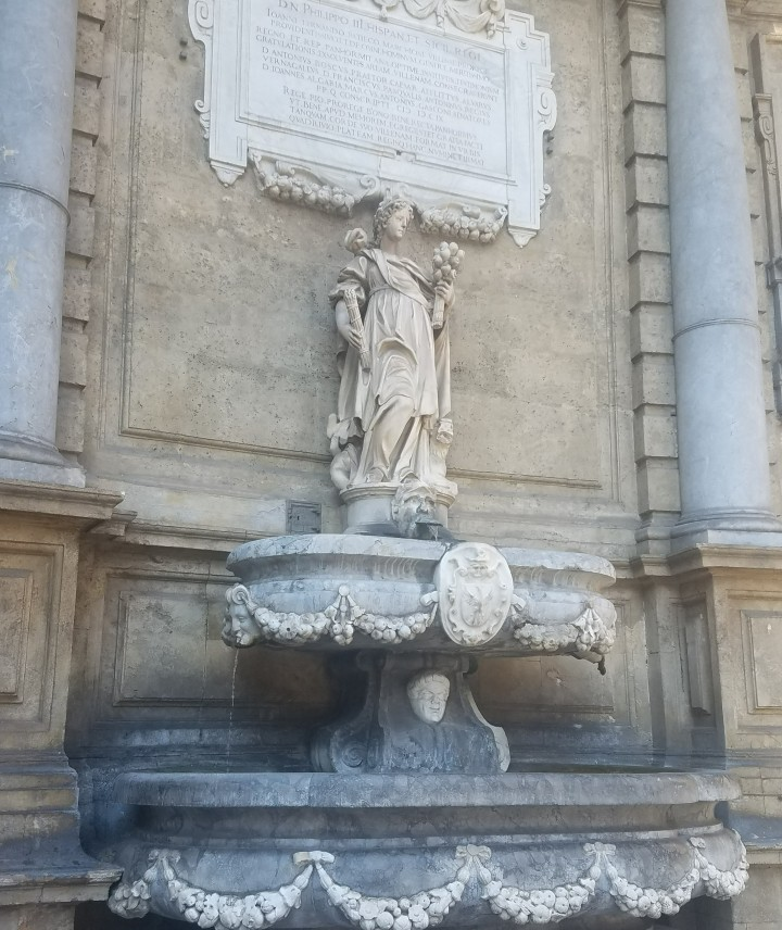 Seeing the fountain in Quatro Canti on a tour one day in Palermo