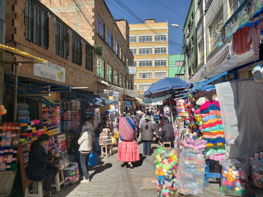 selling yarn and linen in the market