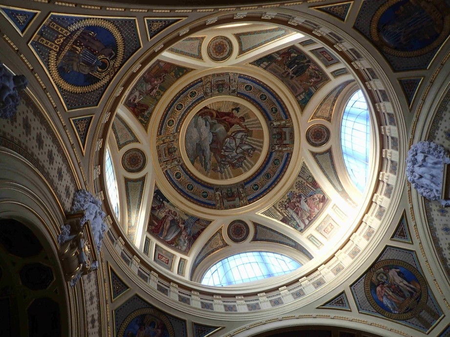 dome of bath house in Budapest