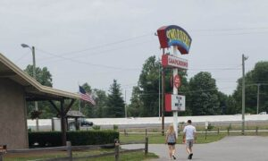 Two Rivers Campground near Nashville Tennessee-sign
