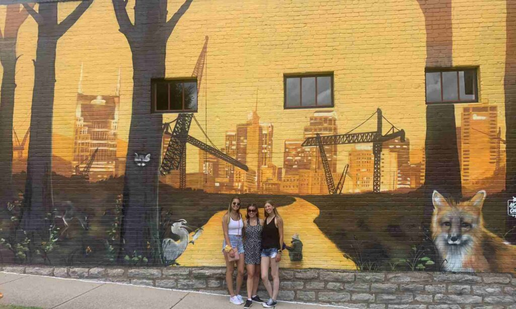 yellow fox street art in nashville