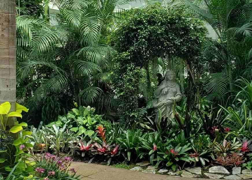 Opryland Garden Resort sculpture