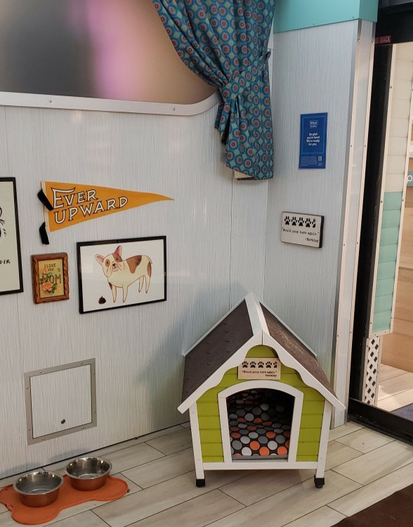 dog house in the lobby of the Curtis Hotel