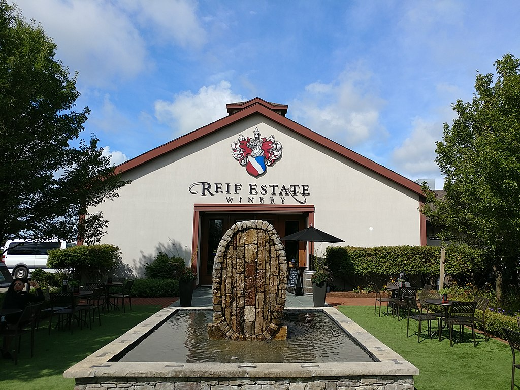 front view of Reif Estate Winery in Niagara Falls Canada