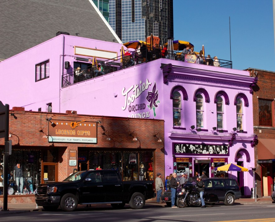 front view of building of Tootsies Orchid Lounge on Broadway on a short getaway to Nashville