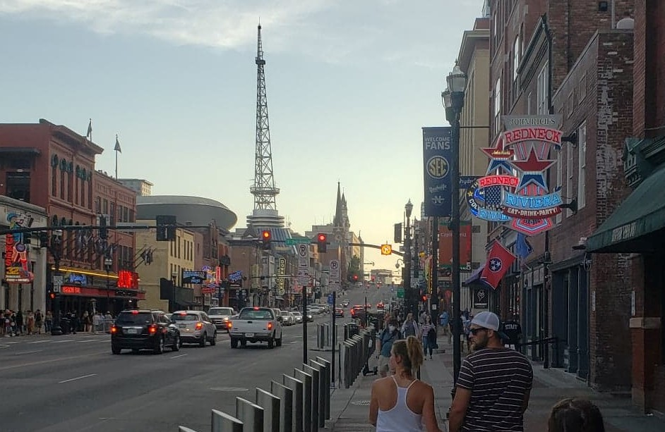 street, bars and lights along Broadway Avenue in downtown Nashville