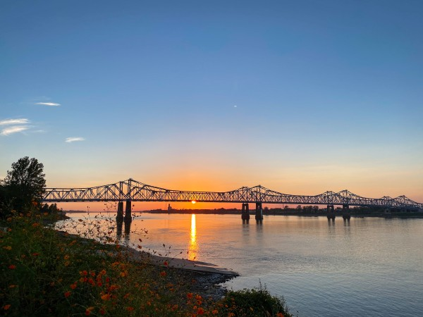 sunset in Natchez on a relaxing vacation for empty nesters