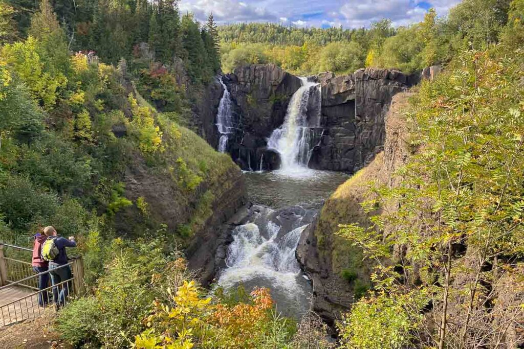 waterfall in minnesota on a relaxing us vacation for empty nesters