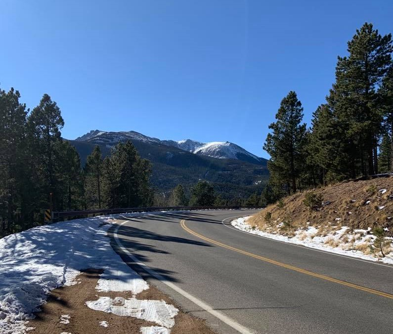 road to drive Pikes Peak in the winter