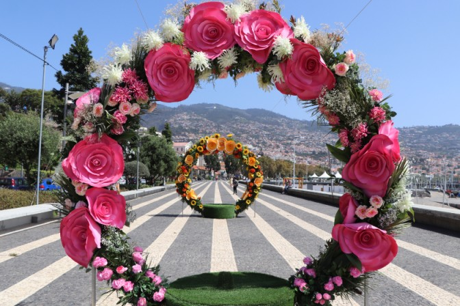 round flowered float displays at the most beautiful flower festivals in the world