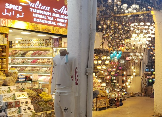 2 shops in the grand bazaar in istanbul with Turkish souvenirs